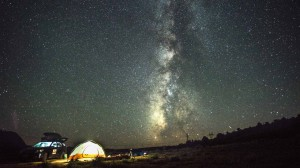 Spending the night under the stars near the Wave in southern Utah
