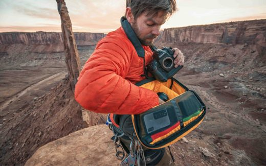 Andy Mann using a Mountainsmith camera bag while shooitng in the desert
